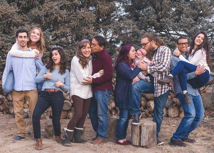 Приятели и семейство
